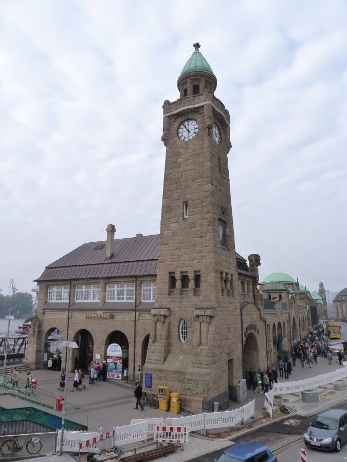 Landungsbruecken_Turm
